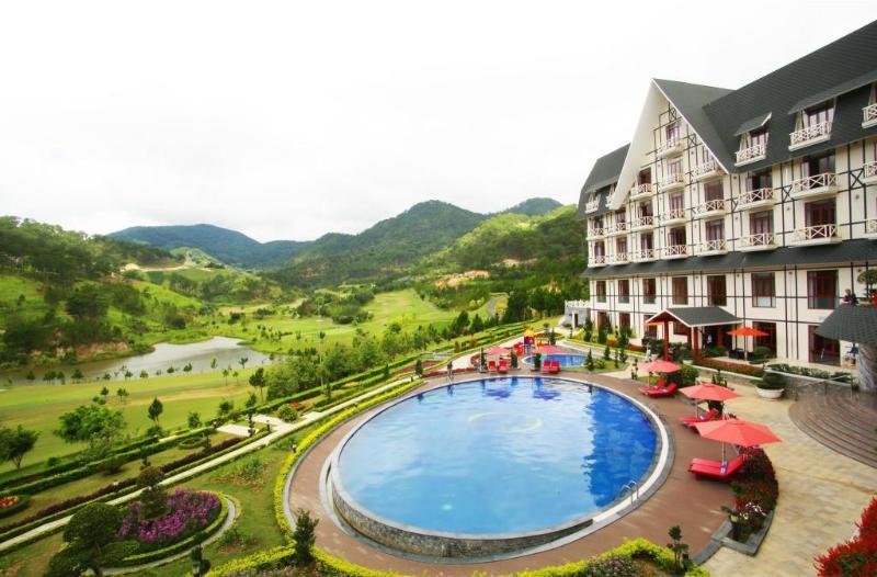 Pool Swiss-belresort Tuyen Lam Dalat
