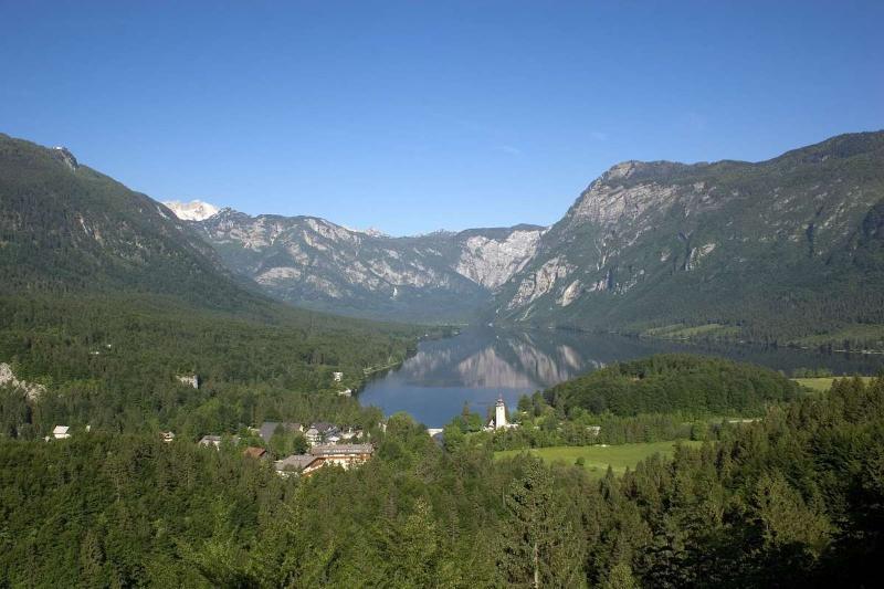 General view Hotel Jezero