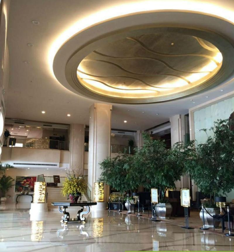 Lobby Beijing Yulong International Hotel