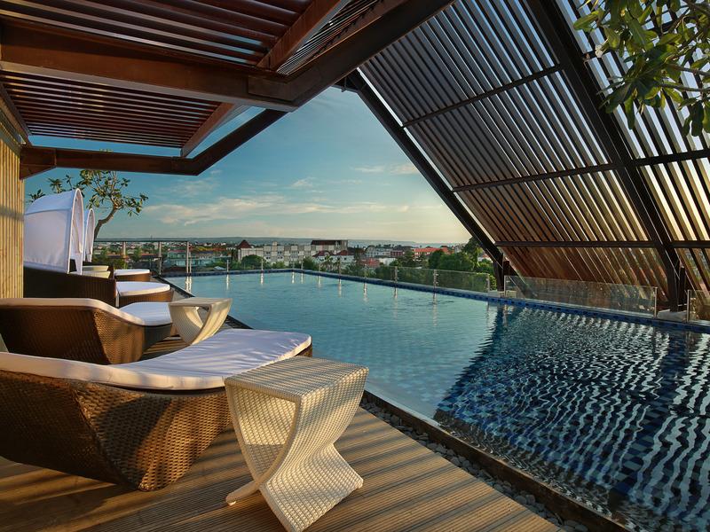 Pool Ibis Bali Legian Street