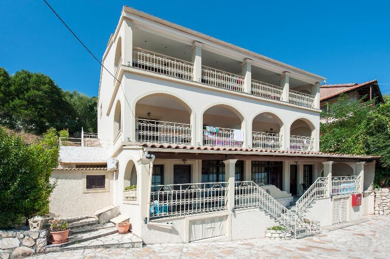 Dimitrios Apartments