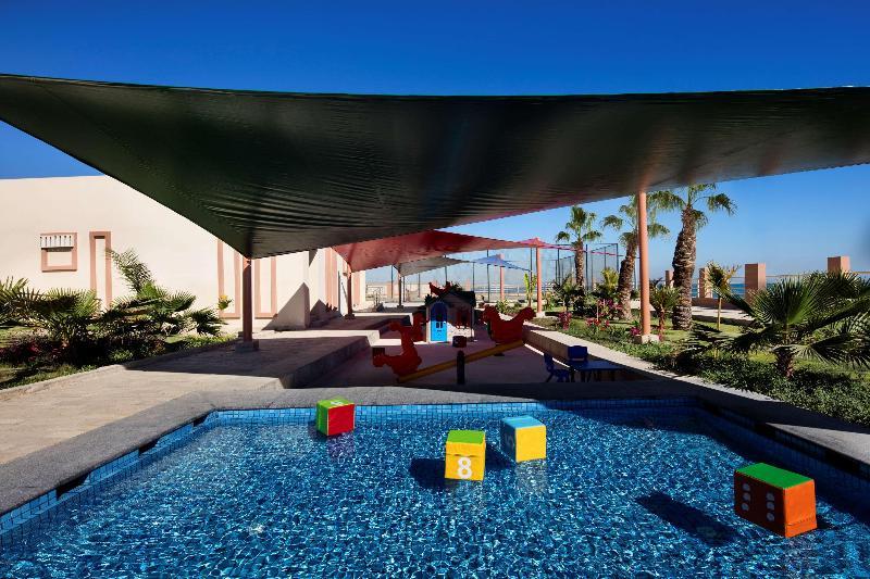 Pool Radisson Blu Hotel Sohar