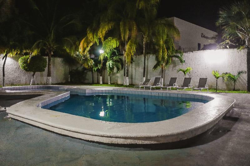 Pool Parador