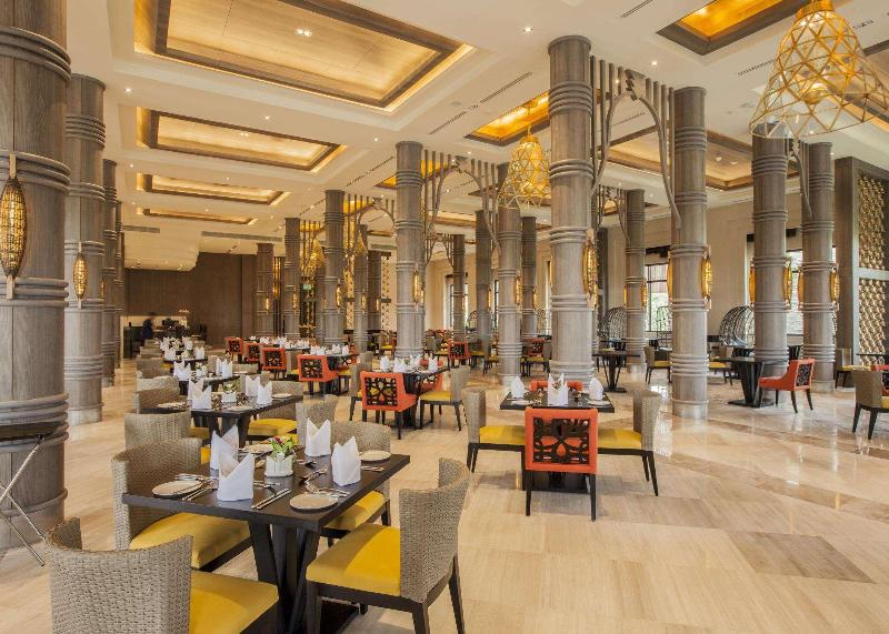 Restaurant Hilton Nay Pyi Taw; Myanmar