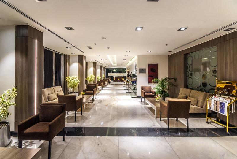 Lobby Mira Waterfront Hotel (formerly Ramada Corniche)