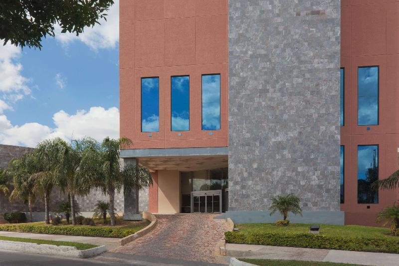 General view Best Western Plus Nuevo Laredo Inn & Suites