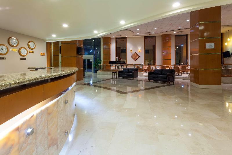 Lobby Best Western Plus Nuevo Laredo Inn & Suites