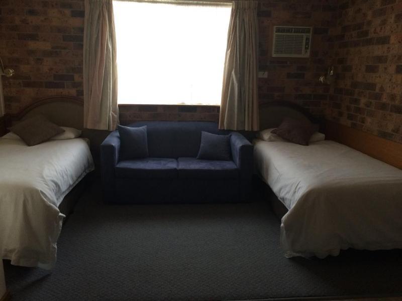 General view Kinross Inn Cooma