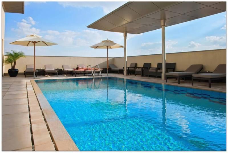 Pool Centro Capital Doha