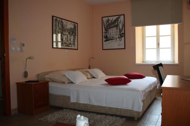 Room Rooms Toni Palace