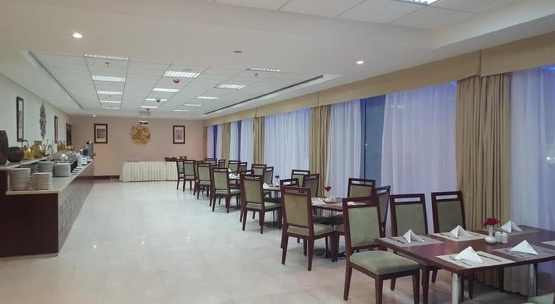 Restaurant Makarem Al Bait Hotel