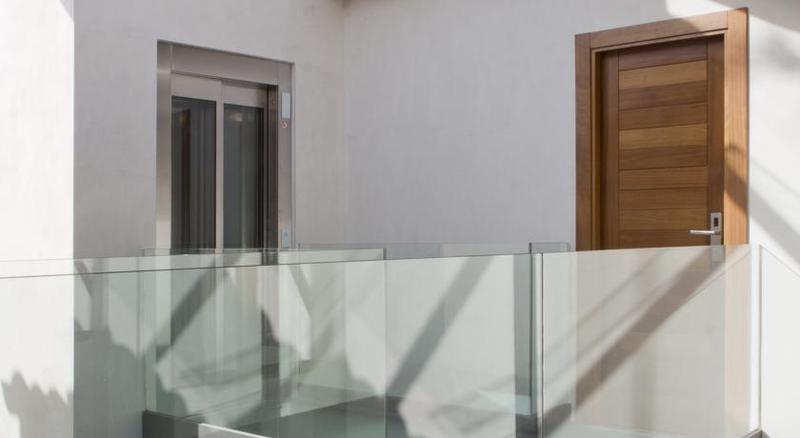 Lobby Antidoto Rooms