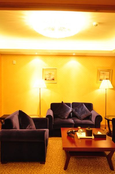 Room Sogecoa Golden Peacock
