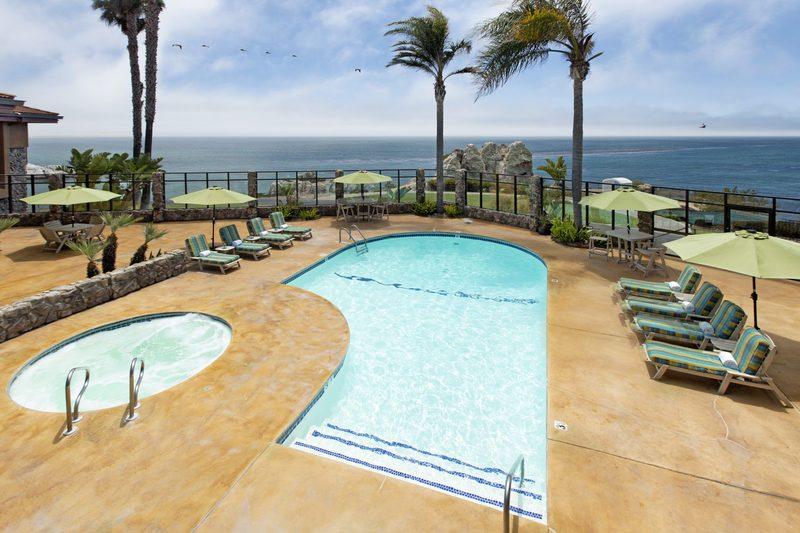 Pool Inn At The Cove