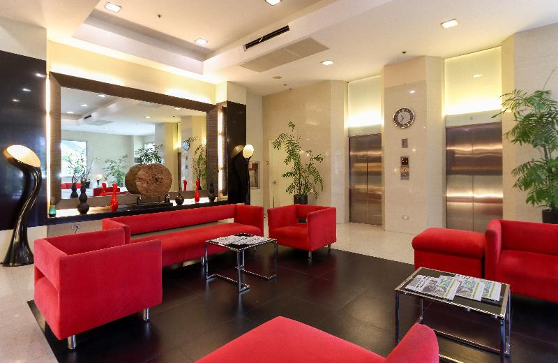 Lobby Paseo Premiere Hotel