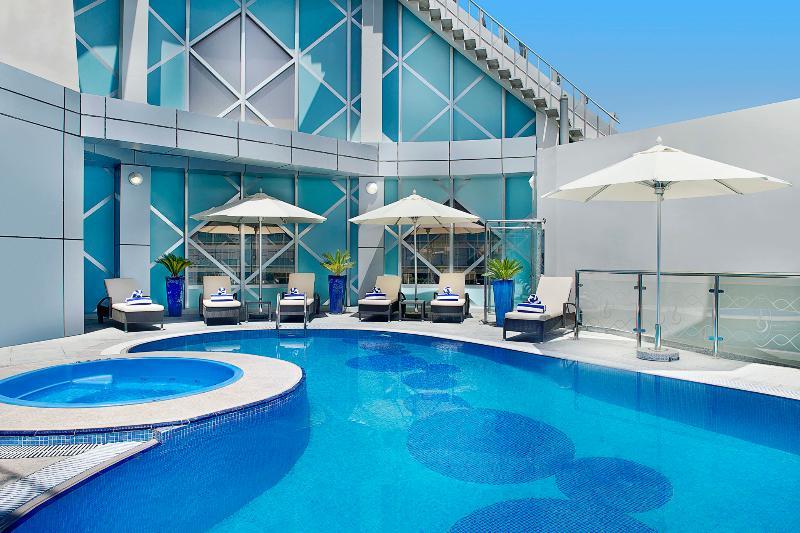 Pool City Seasons Towers Dubai