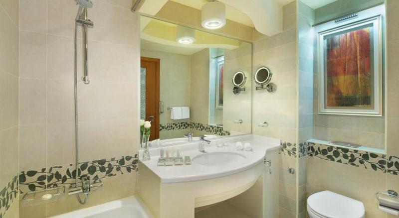 Room City Seasons Towers Dubai