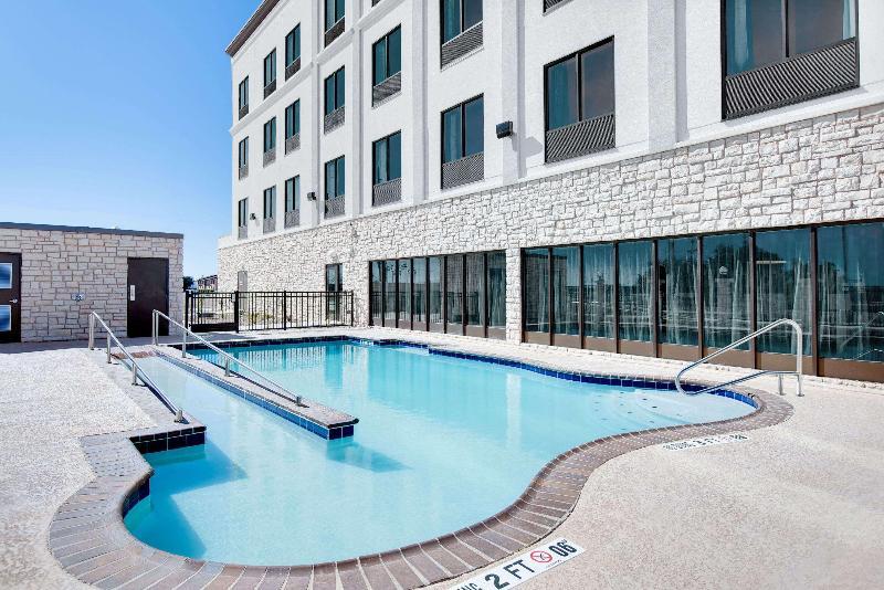 Pool Wingate By Wyndham San Angelo