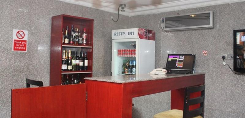 Bar Class Suites