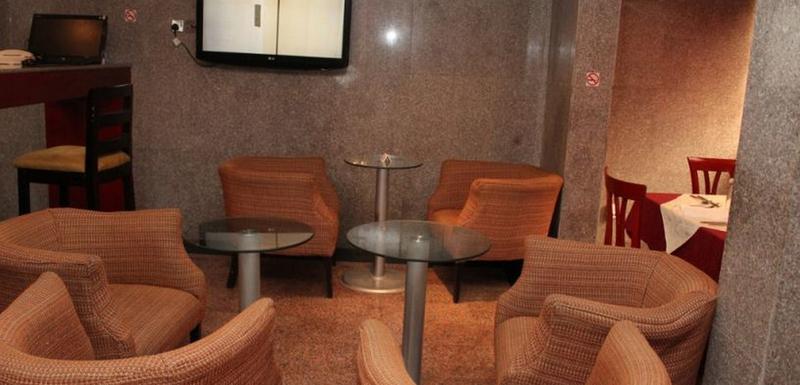 Lobby Class Suites