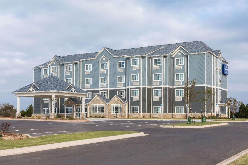 General view Microtel Inn & Suites By Wyndham Perry
