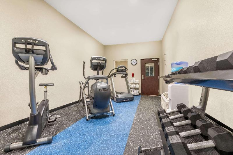 Sports and Entertainment Microtel Inn & Suites By Wyndham Perry