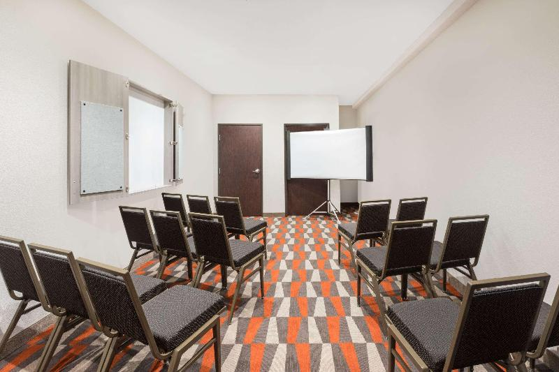 Conferences Microtel Inn & Suites By Wyndham Perry