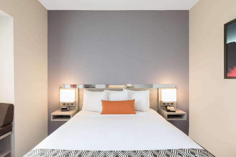 Room Microtel Inn & Suites By Wyndham Perry