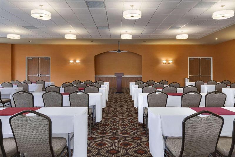 Conferences Wyndham Garden San Antonio Riverwalk/museum Reach