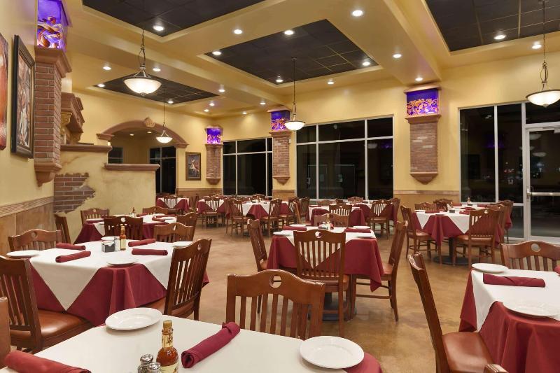 Restaurant Wyndham Garden San Antonio Riverwalk/museum Reach