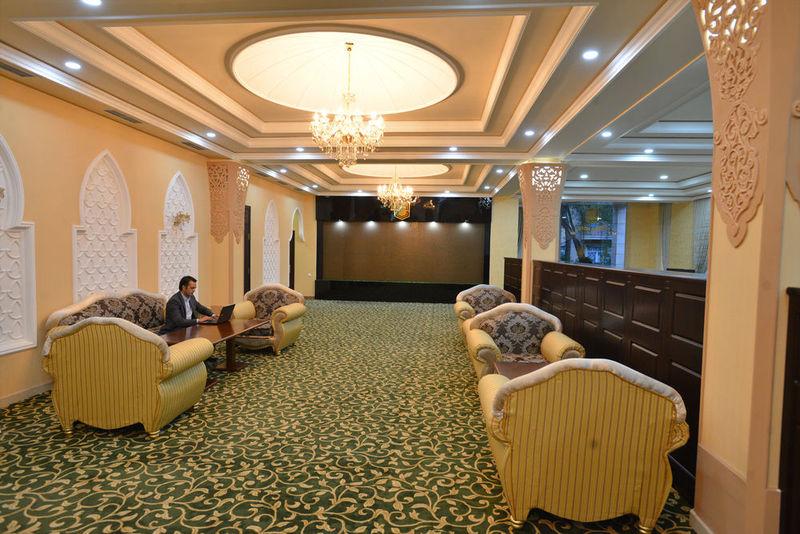 Lobby Gloria Hotel