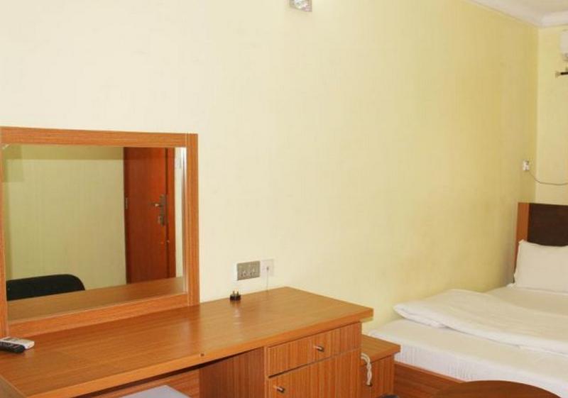 Room Specs Suite