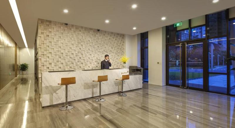 Lobby Green Court Serviced Apartment-green City