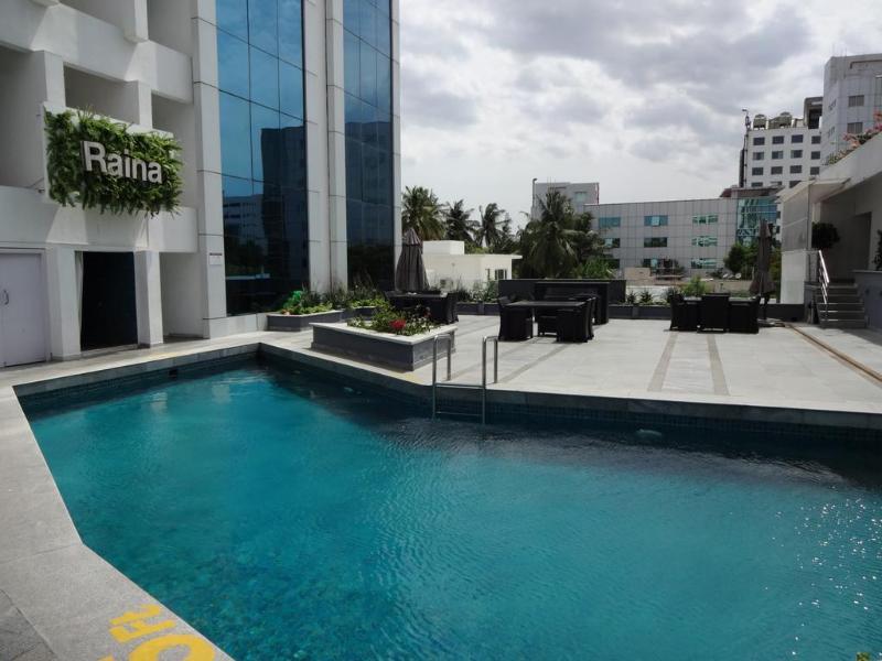 Pool Clarion Hotel Chennai