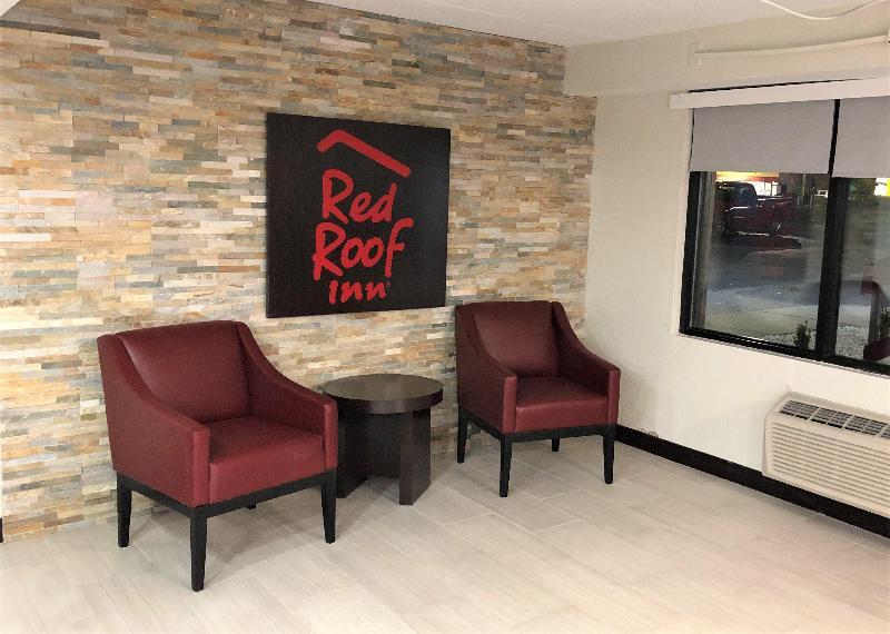 Lobby Rodeway Inn & Suites