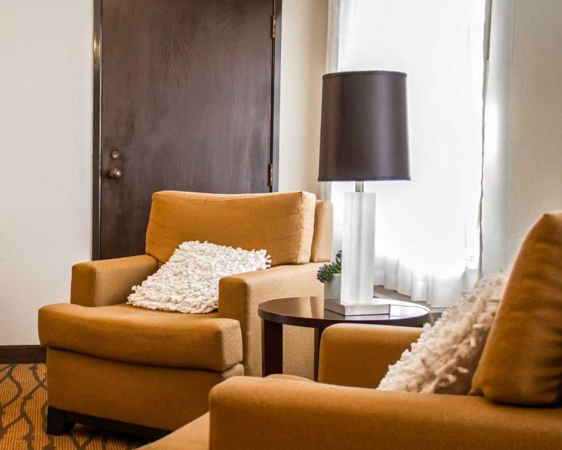 Lobby Sleep Inn & Suites