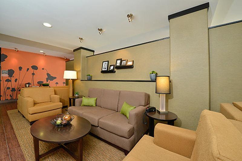 Lobby Sleep Inn & Suites Austin  Northeast