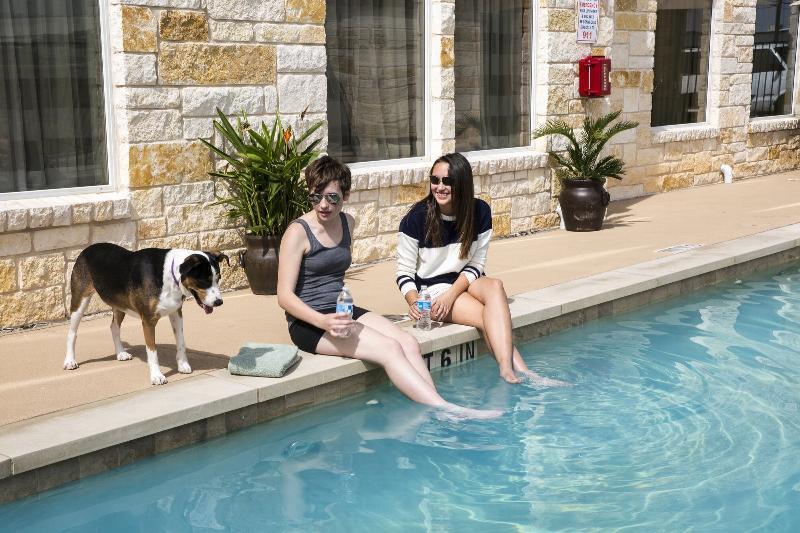 Pool Sleep Inn & Suites Austin  Northeast