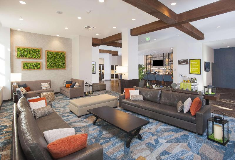 Lobby Hilton Garden Inn Los Angeles/burbank, Ca