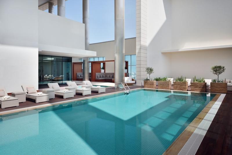 Pool Marriott Hotel Downtown, Abu Dhabi