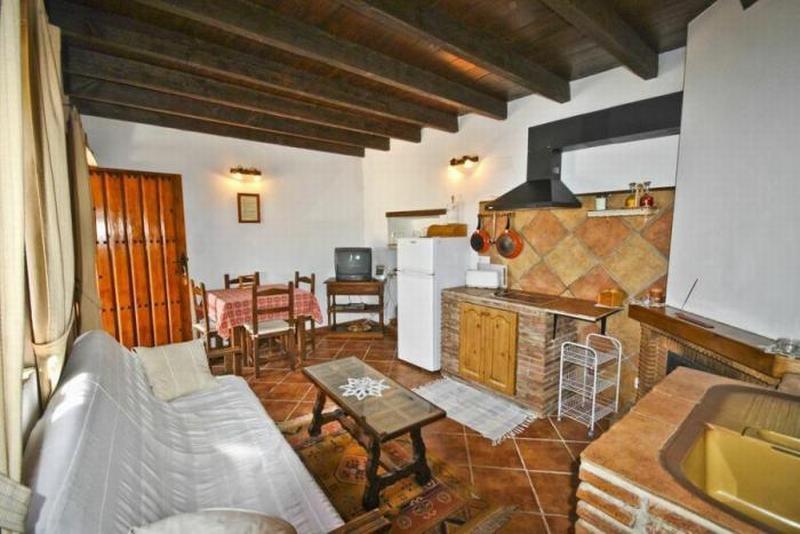 Room Apartment In Periana 100302