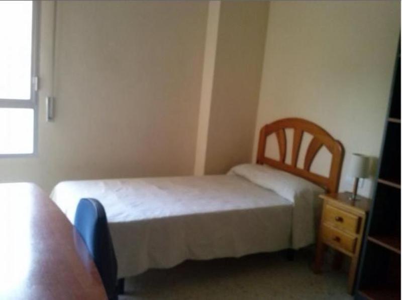 Room Apartment In Malaga 100712