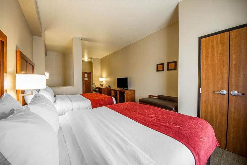 General view Comfort Suites Redding  Shasta Lake