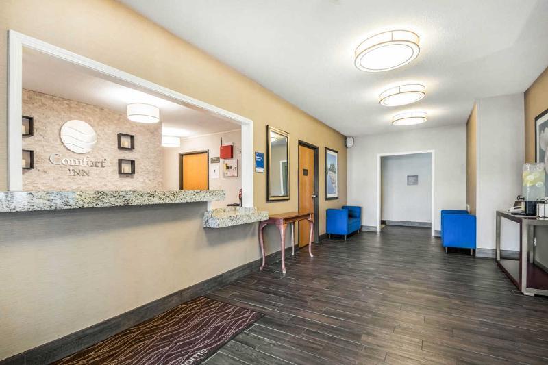 Lobby Comfort Inn