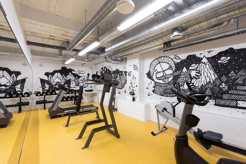 Sports and Entertainment Hektor Design Hostel