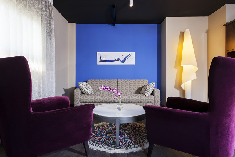 Room Port And Blue Tlv Boutique Suites