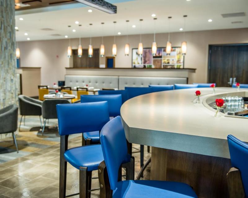 Bar Cambria Mcallen Convention Center