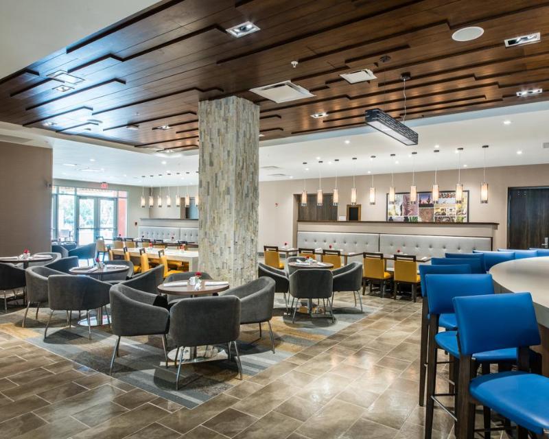 Restaurant Cambria Mcallen Convention Center