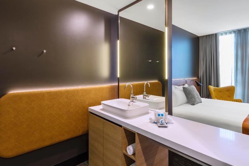 Room Vibe Hotel Canberra Airport