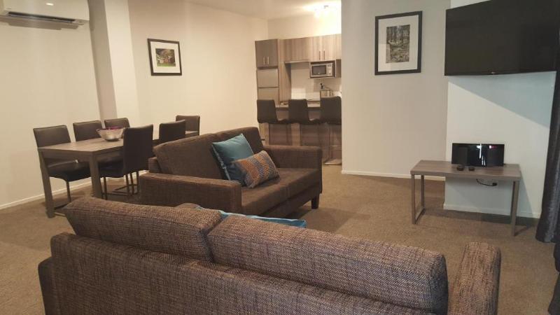 General view Ramada Hotel & Suite Queenstown Remarkables Park